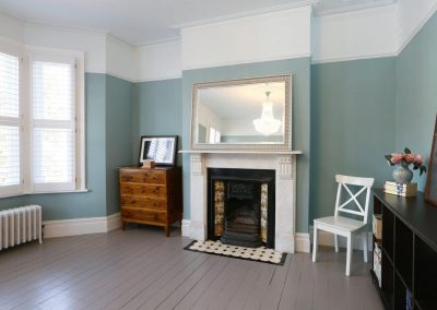 Battersea SW11 - M Bed Fireplace Bay